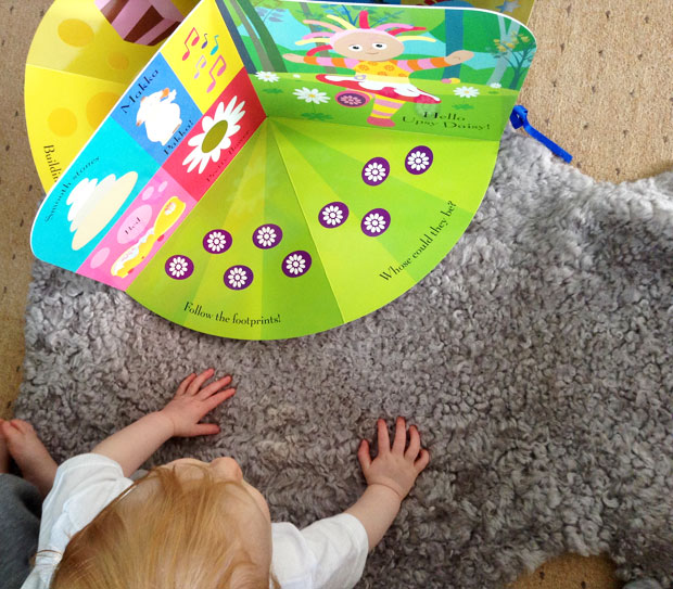 In the Night Garden: Tummy Time Book Review A Mum Reviews