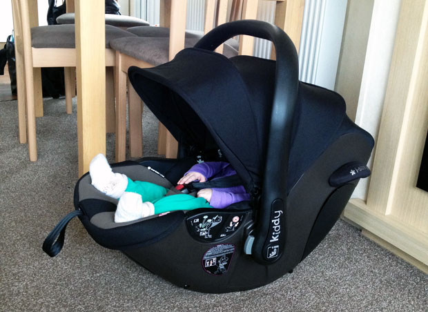Kiddy Evoluna i-size Car Seat Review - With ISOFIX Base 2 Included ...
