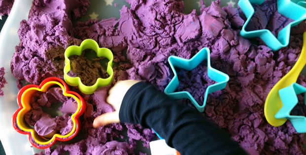 Exploring Kinetic Sand for The First Time (and Loving It!) A Mum Reviews