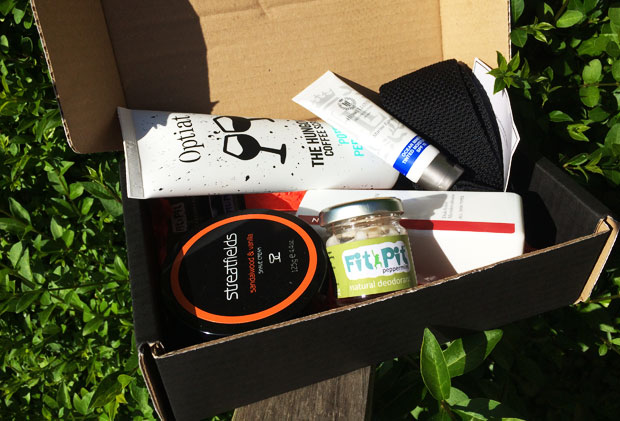 June 2018 TOPPBOX Men's Grooming & Skincare Subscription A Mum Reviews