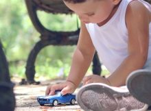 How to Travel Safely by Car with Children A Mum Reviews
