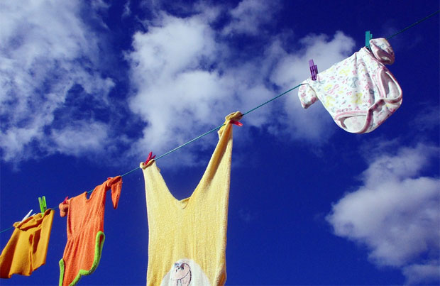 Laundry Tips for Busy Mums - Reach That Empty Washing Basket Goal! A Mum Reviews