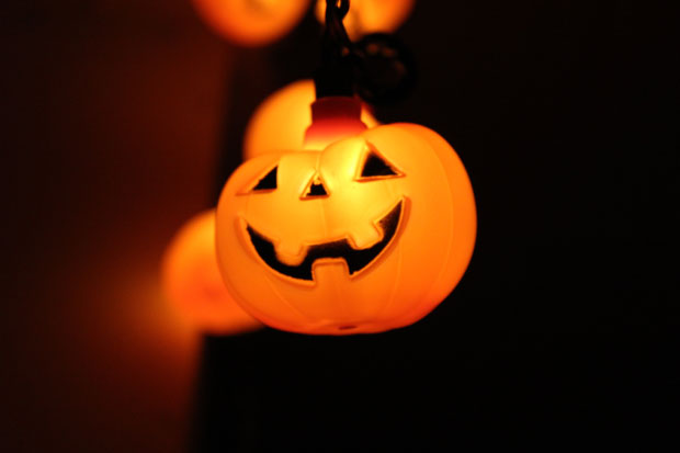 How to Take Spooky Snaps: 'Tricks or Tips' for your Halloween Photography! A Mum Reviews