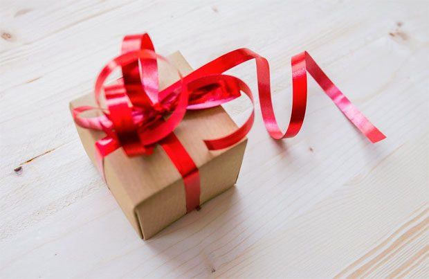 6 Gift Ideas for Special Occasions A Mum Reviews Why Gifts Are Important in a relationship