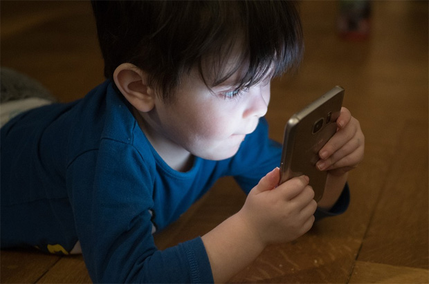 How Does Technology Impact Children's Social & Fitness Skills? A Mum Reviews