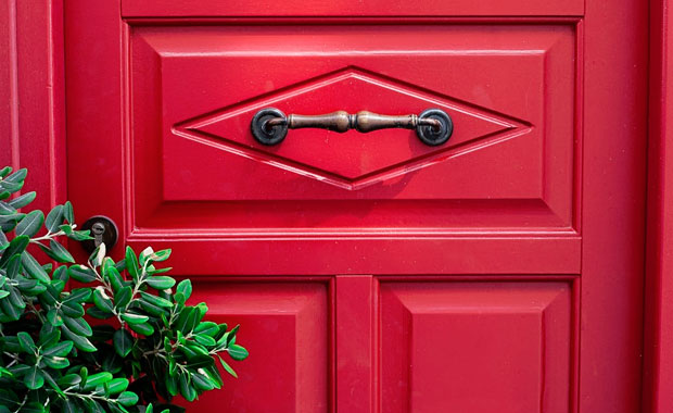 When is the Best & Cheapest Time of the Year for Door Replacement? A Mum Reviews