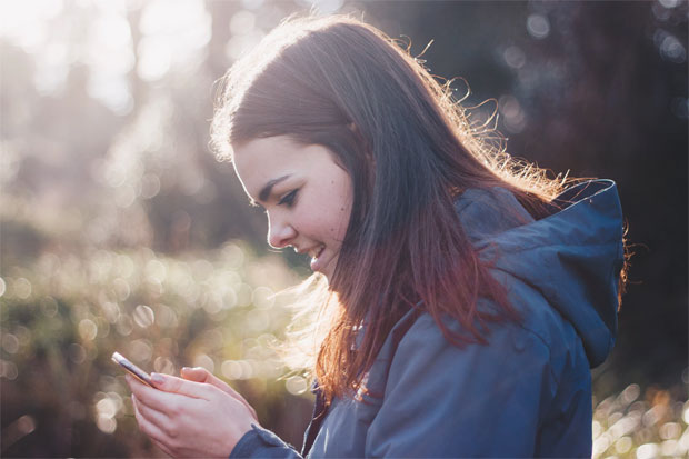9 Things To Consider Before Buying Your Child Their First Phone A Mum Reviews