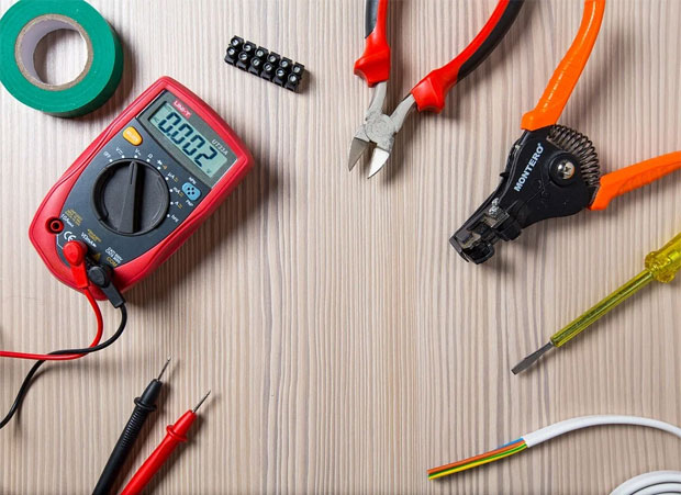 How to Know When You Should Hire an Electrician A Mum Reviews