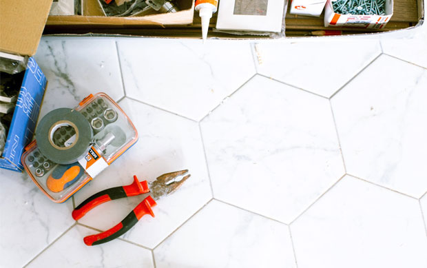 How to Remove Tile From Concrete Floor: DIY A Mum Reviews