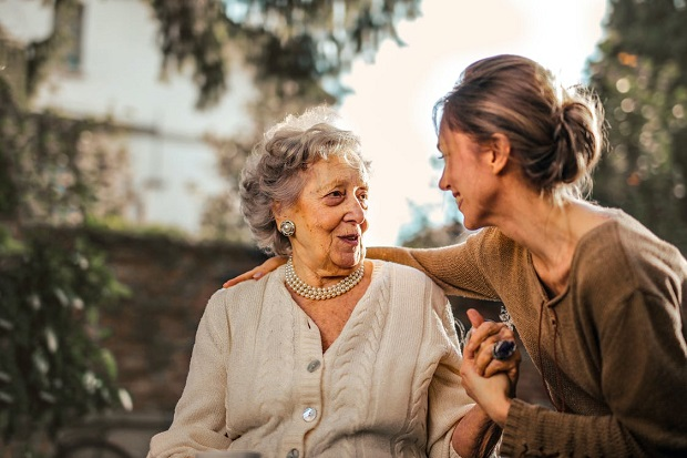 Providing Your Elderly Parents With the Care They Need To Age at Home