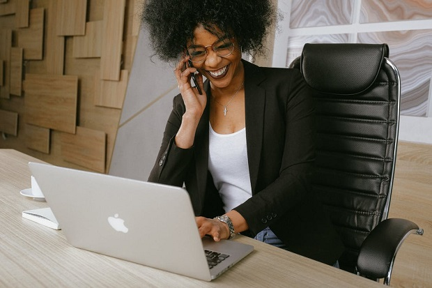 3 Online Business Ideas for Stay-at-Home Moms